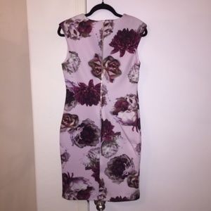 Tahari Dresses - Cap sleeved, fully lined, elegant floral dress
